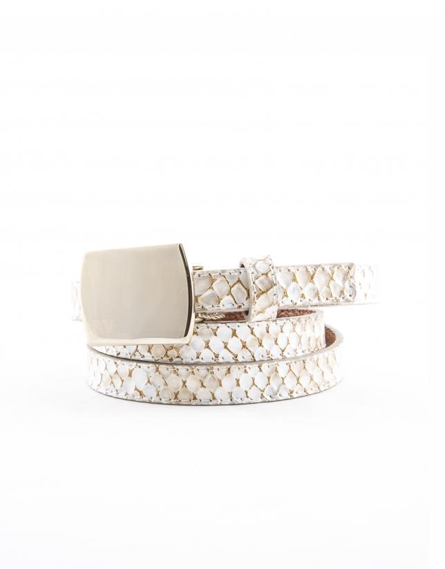 Cinturón piel color beige.