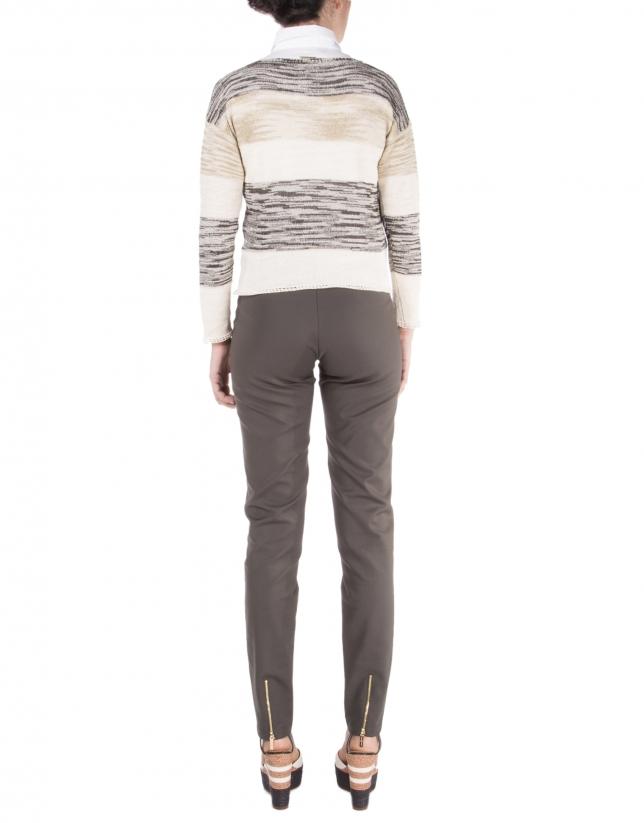 Pantalón marrón cremalleras