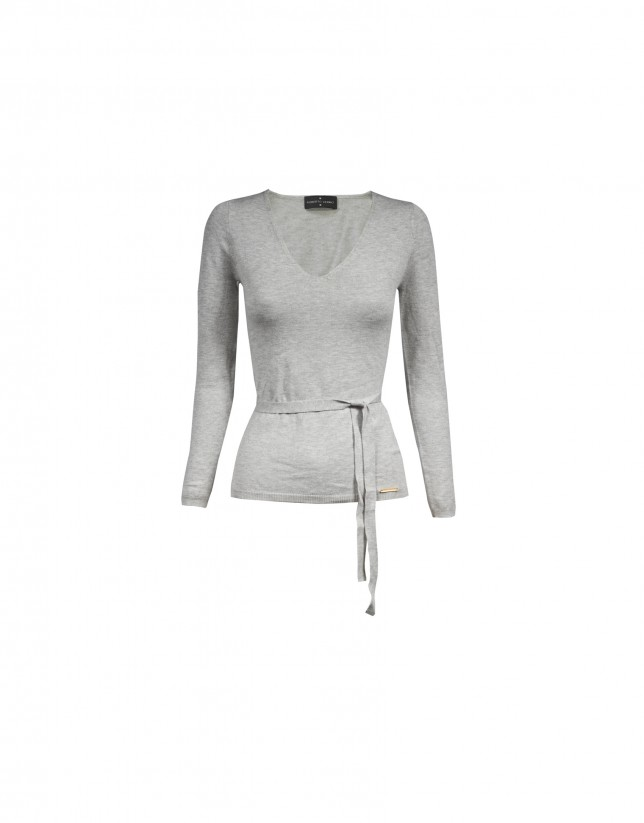 Deep v-neck long sleeve light grey pullover
