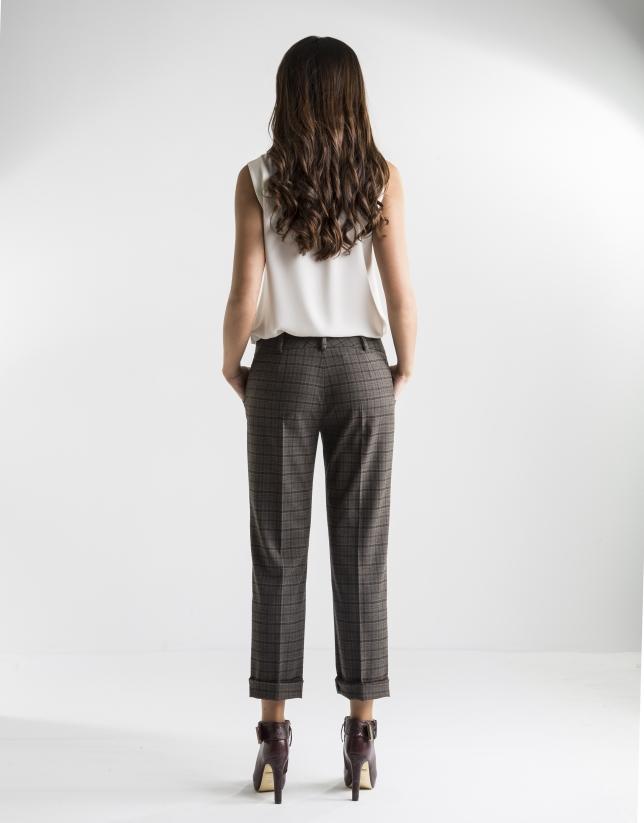 Pantalón cuadros marrón