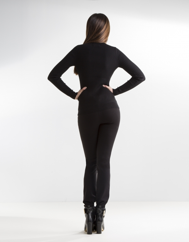Pantalón negro elástico