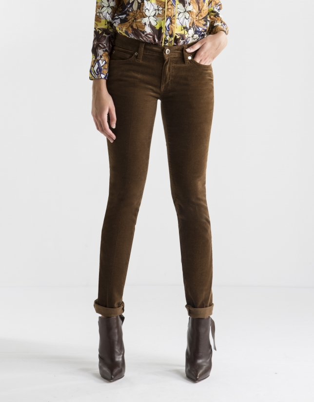 Pantalón pana lisa marrón