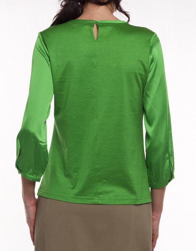 Long sleeve, round neck blouse