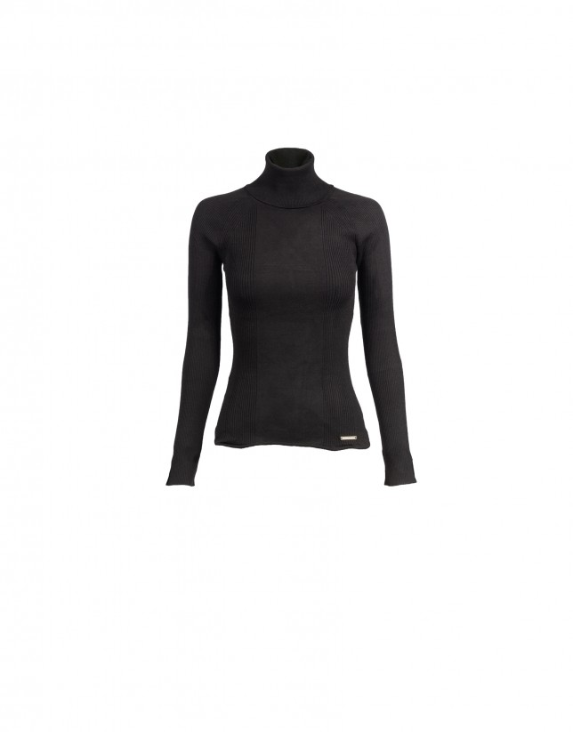 Fancy stitched roll collar black pullover