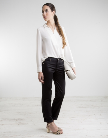 Black pants with five pockets