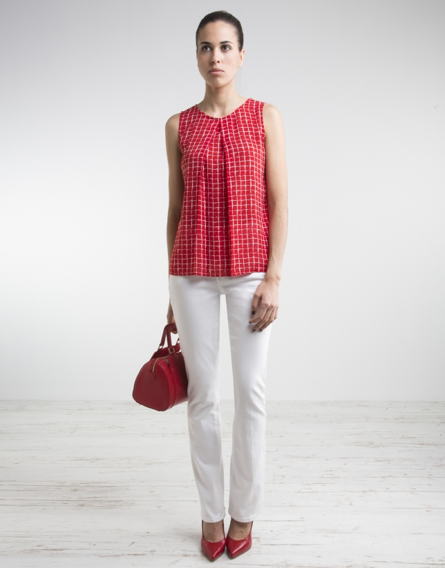 White bell-bottomed pants