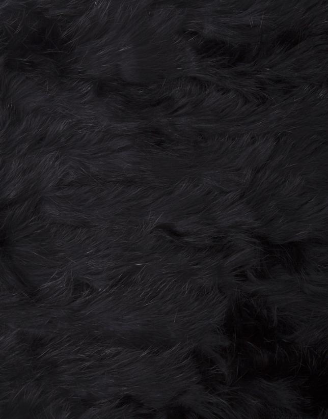 Boléro noir en peau de lapin