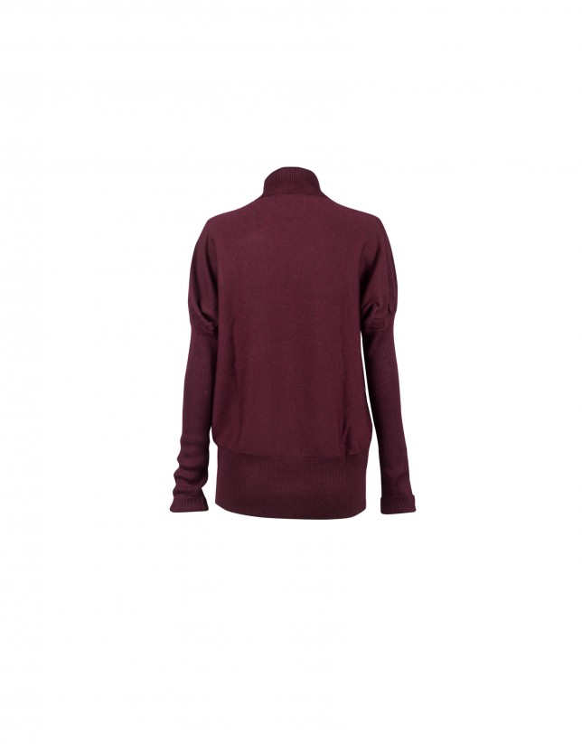 Bordeaux roll collar pullover