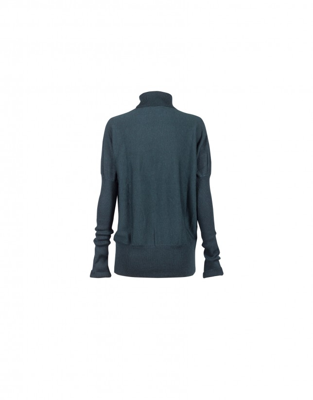 Green roll collar pullover