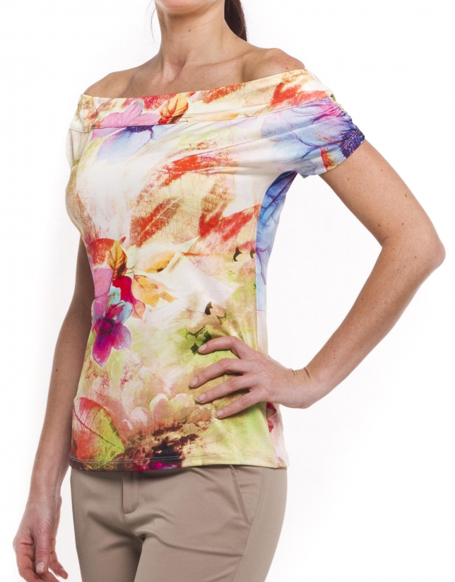 Short sleeve top with boat neck