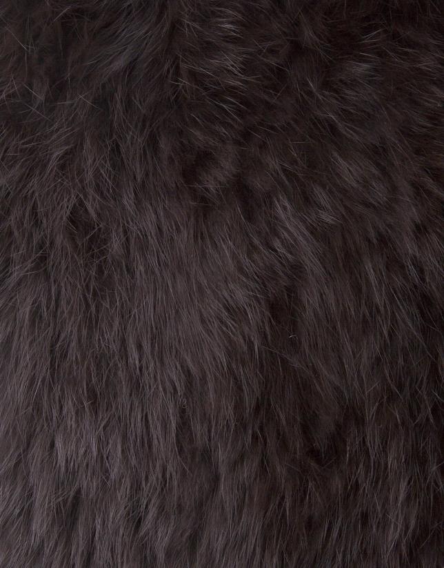 Cape courte fermée marron en peau de lapin