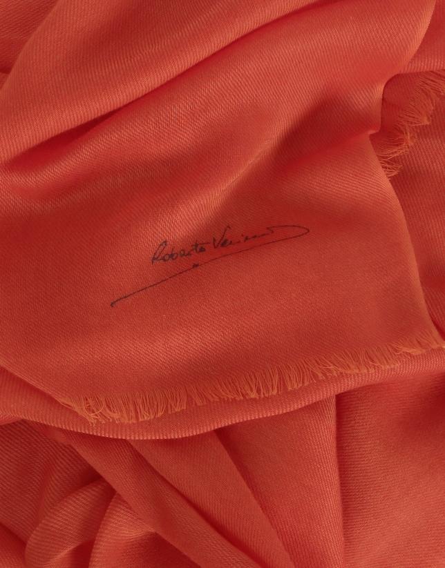Plain geranium scarf