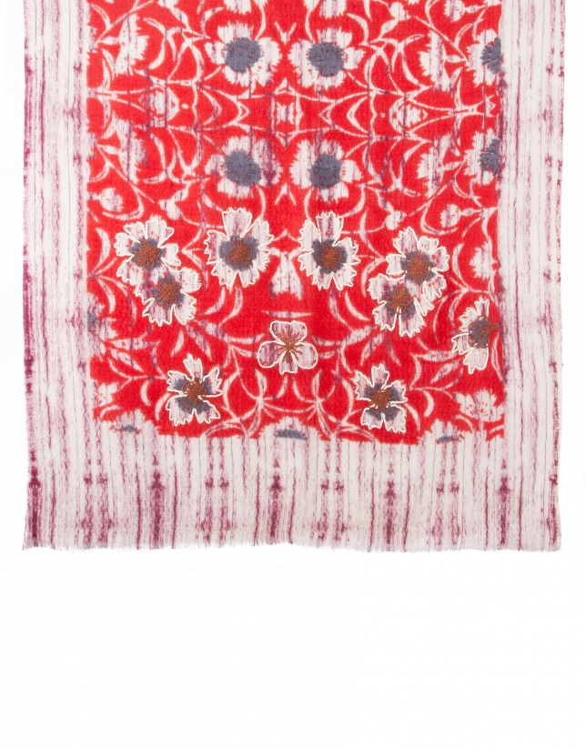 Etole broderie rouge
