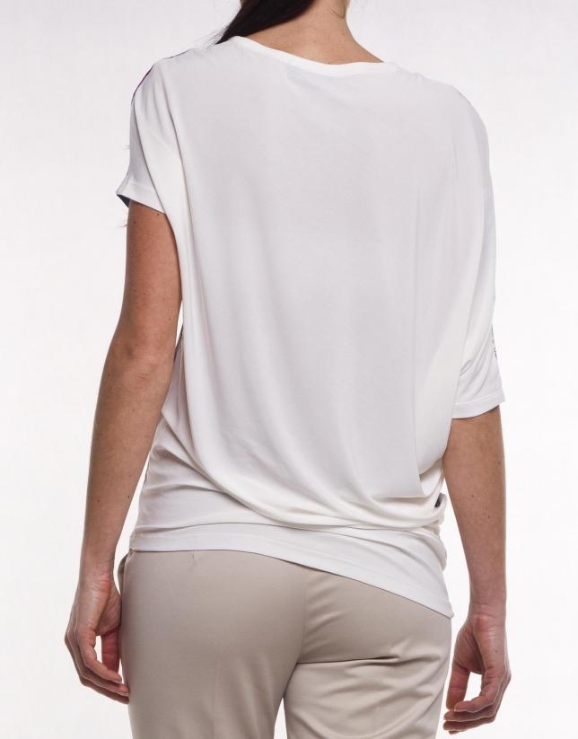 Long top with asymmetric hem