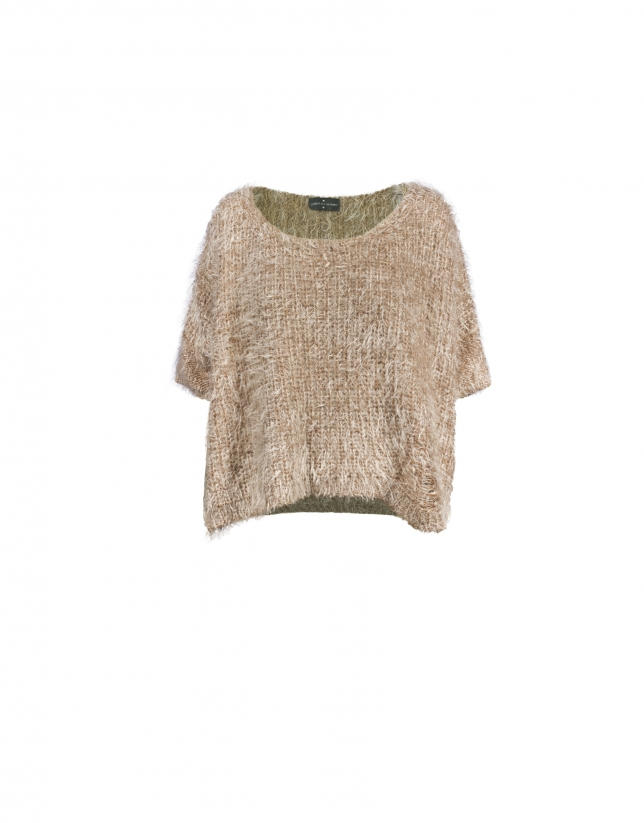 Short pullover in natural tone japanese sleeve