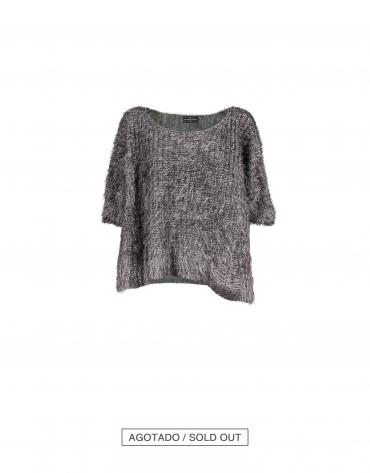 Short pullover in grey japanese sleeve