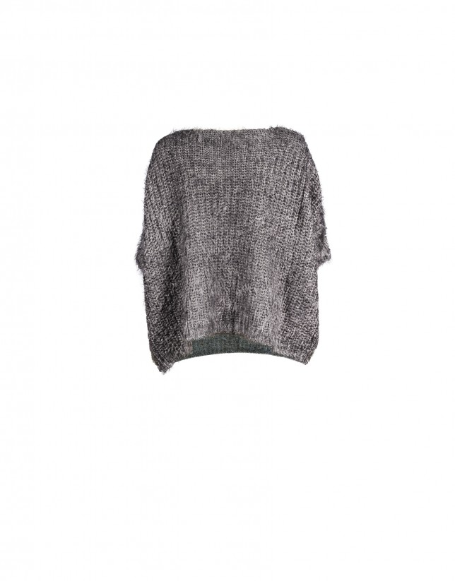 Short pullover in grey japanese sleeve