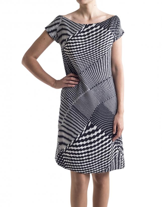 Vestido recto estampado geométrico