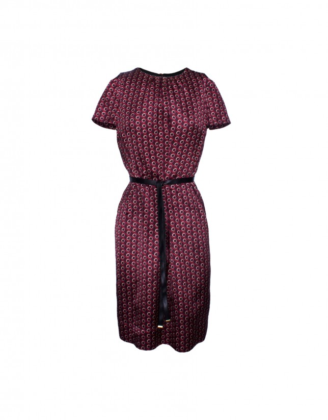 Silk dress in bordeaux print