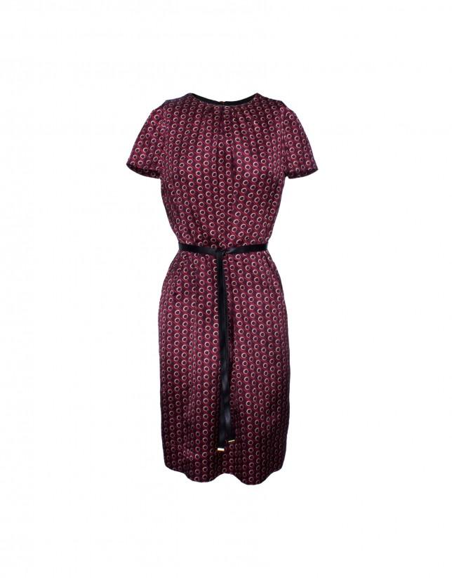 Silk dress in bordeaux print