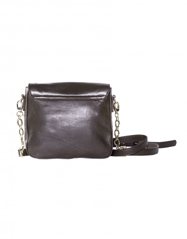 Shoulder bag in brown leather