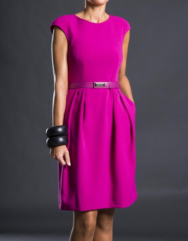 Vestido  fucsia pliegues cinturón