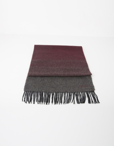 Gray and red wool scarf
