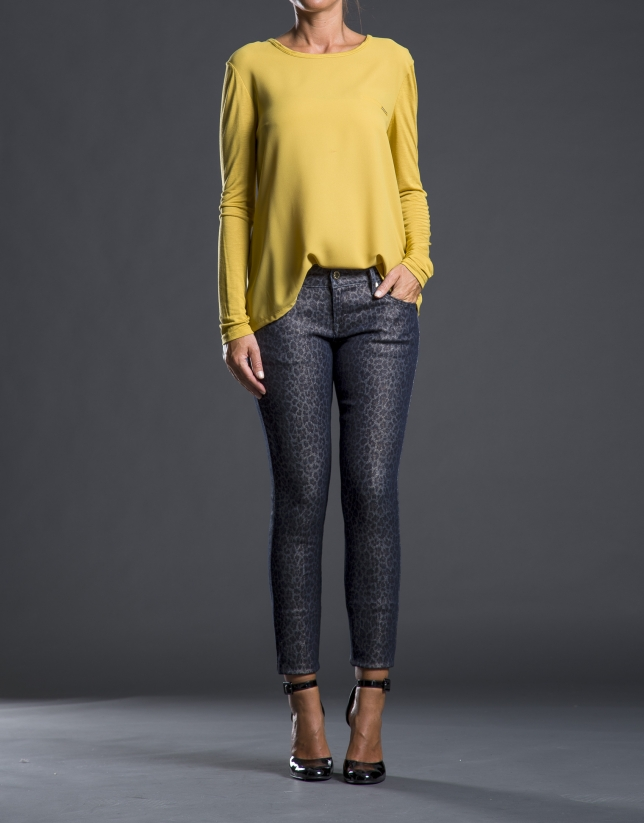 Mustard crepe and knit t-shirt