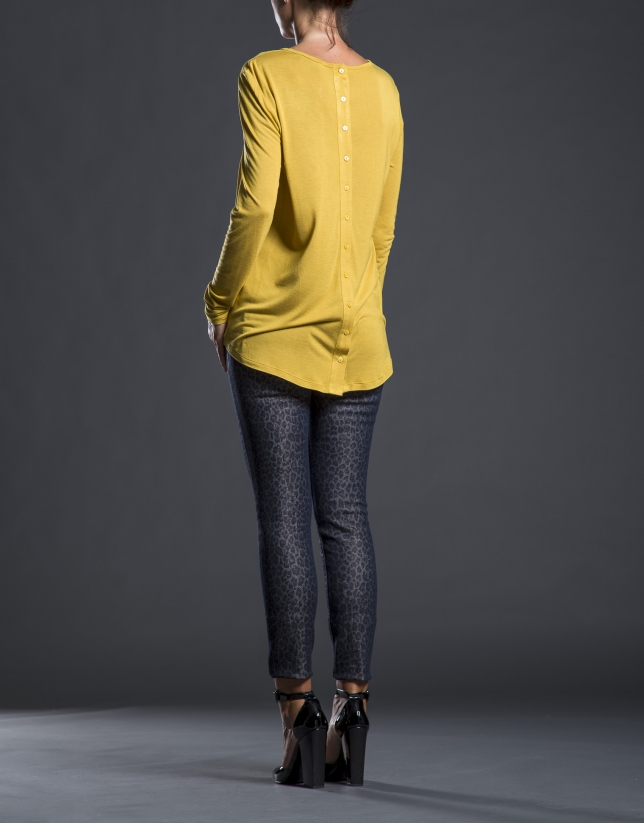 Camiseta mostaza crepe punto