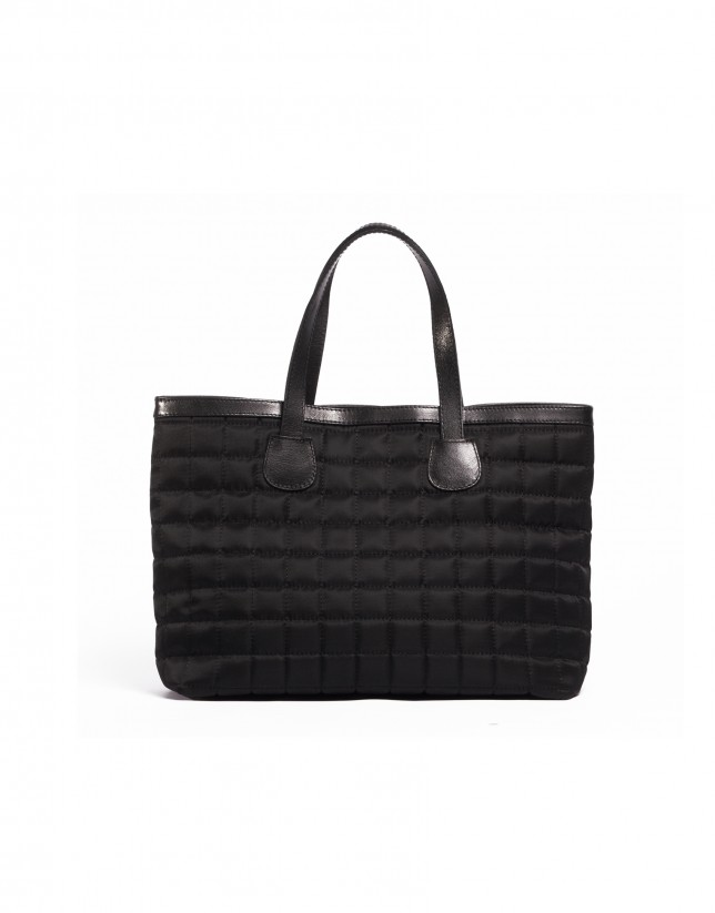 Black shopping quilted bag