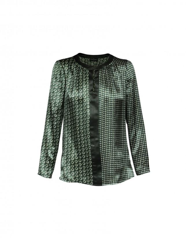 Blusa seda verde estampada