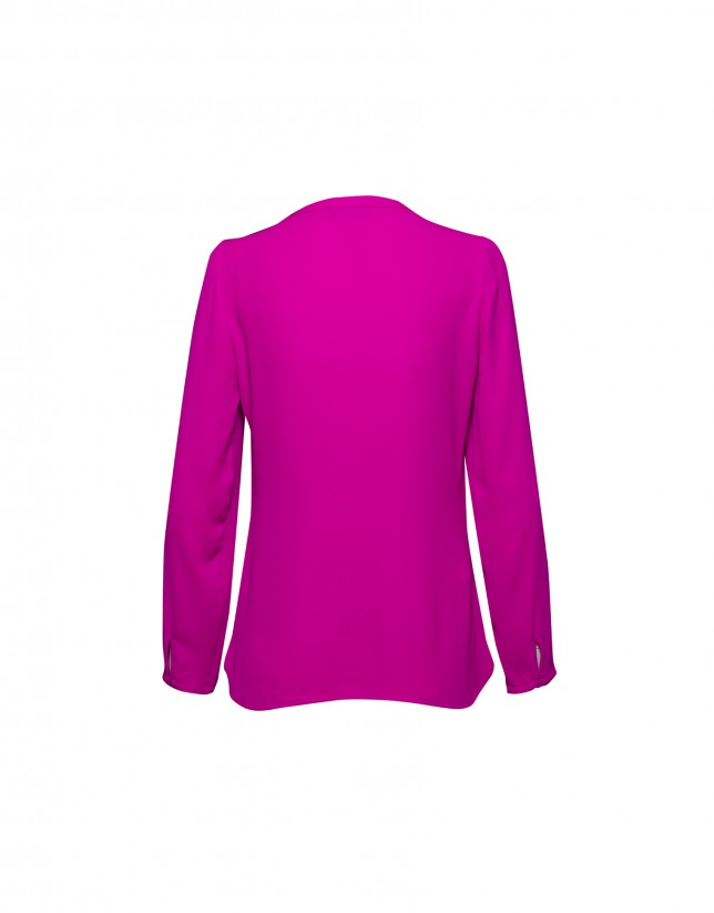 Long sleeved fuchsia blouse
