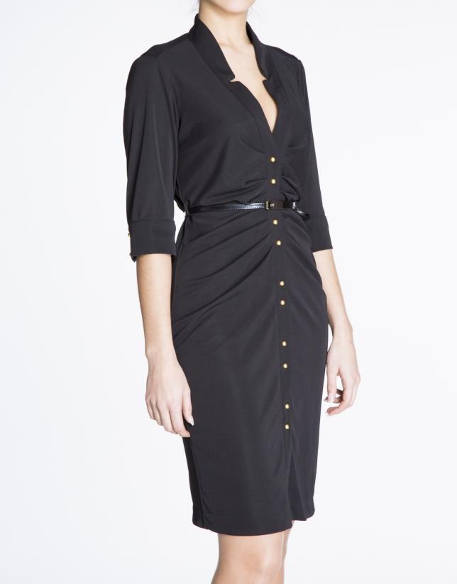 Robe chemise cintrée, en maille noire.