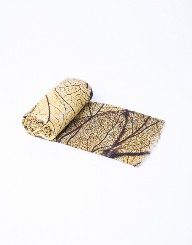 Cashmere and silk scarf with leaf design