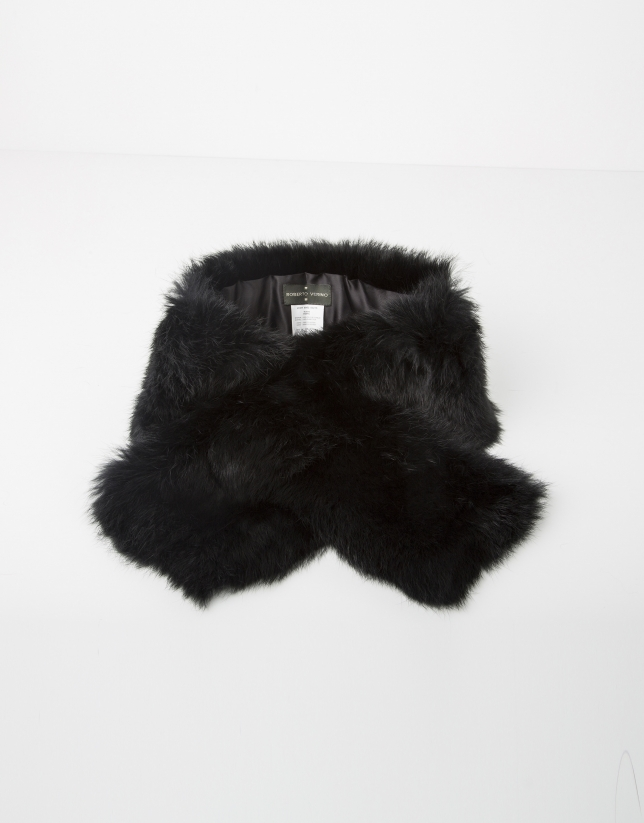 Black fur collar scarf
