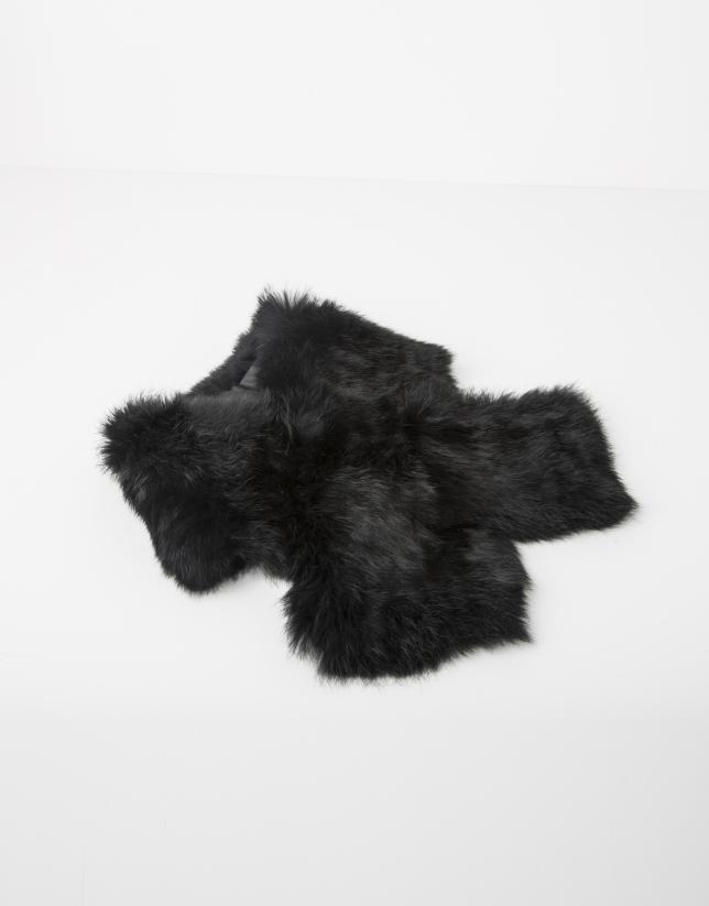 Black fur collar scarf