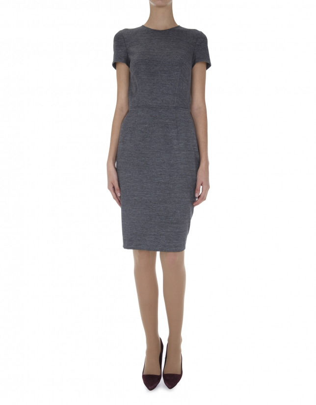 Vestido recto manga corta cuello redondo punto gris