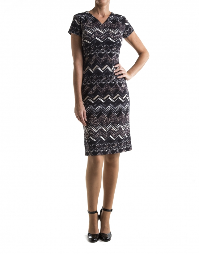 Brown, short sleeved dress with zigzag print