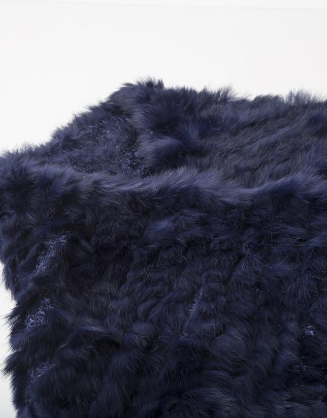 Col en fourrure bleu