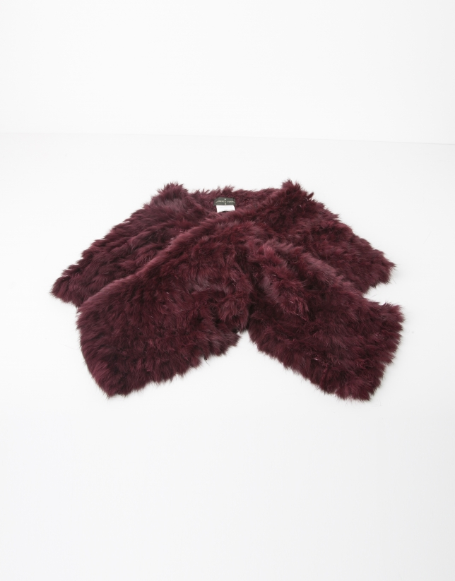 Red fur collar scarf