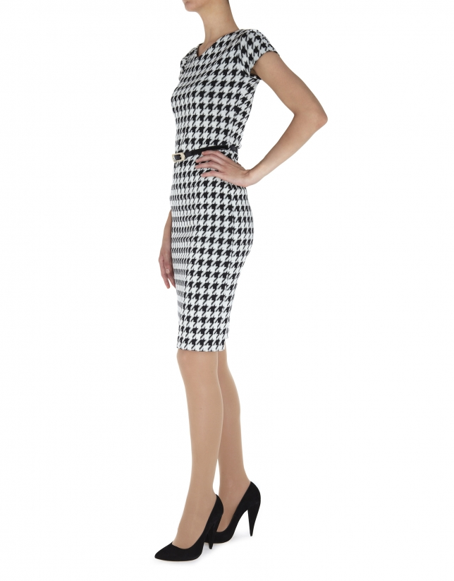 Hounds tooth short sleeved dress