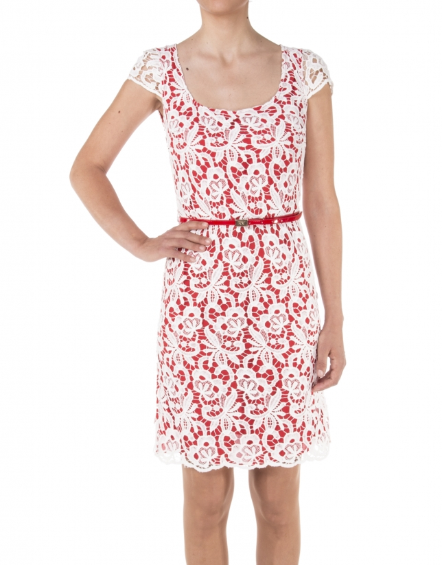 Lace short-sleeved dress with red lining