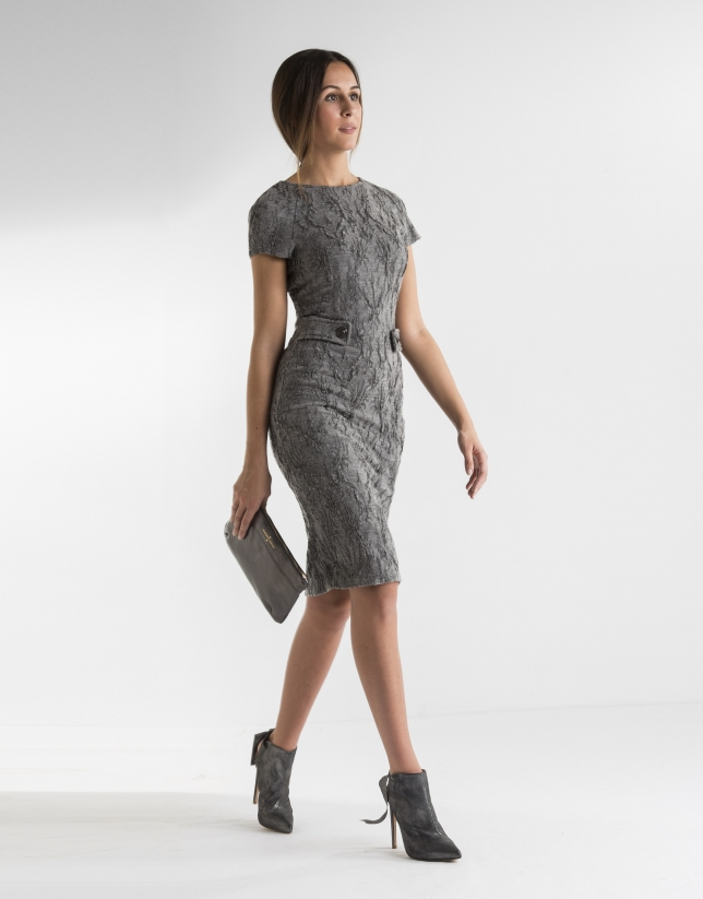 Vestido trabillas gris