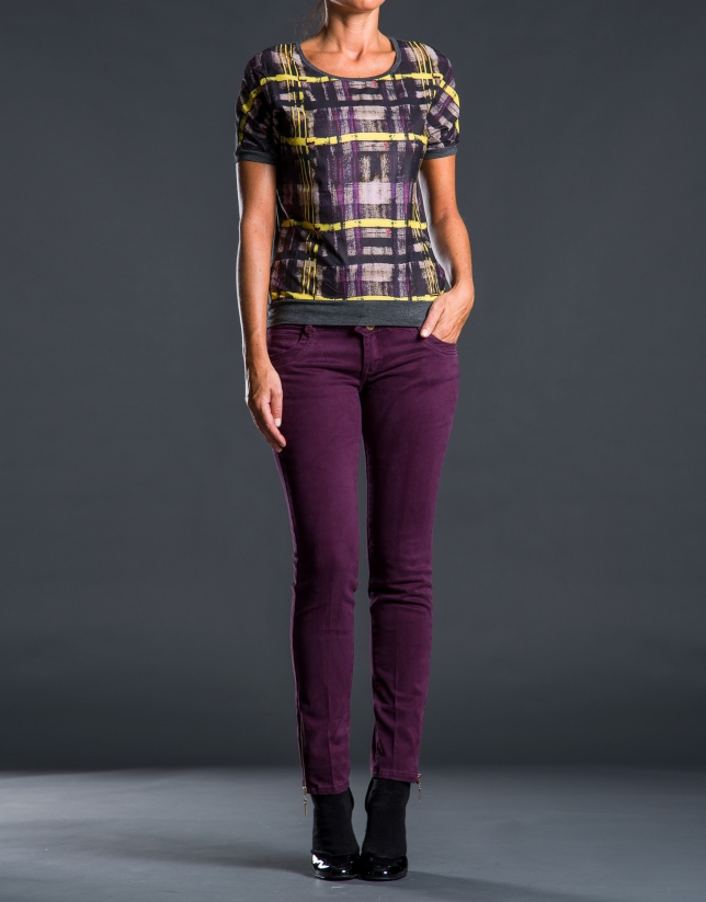 Contrasting checked print t-shirt