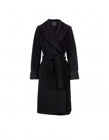Abrigo negro solapa smoking.