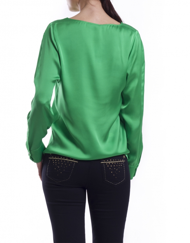 Long sleeve shirt with boat neck