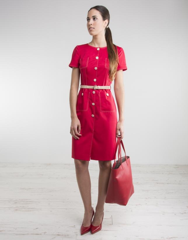 Robe rouge à manches courtes