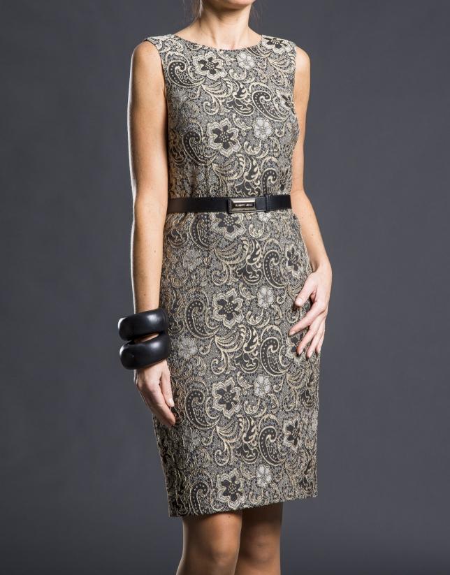 Vestido negro adamascado dorado