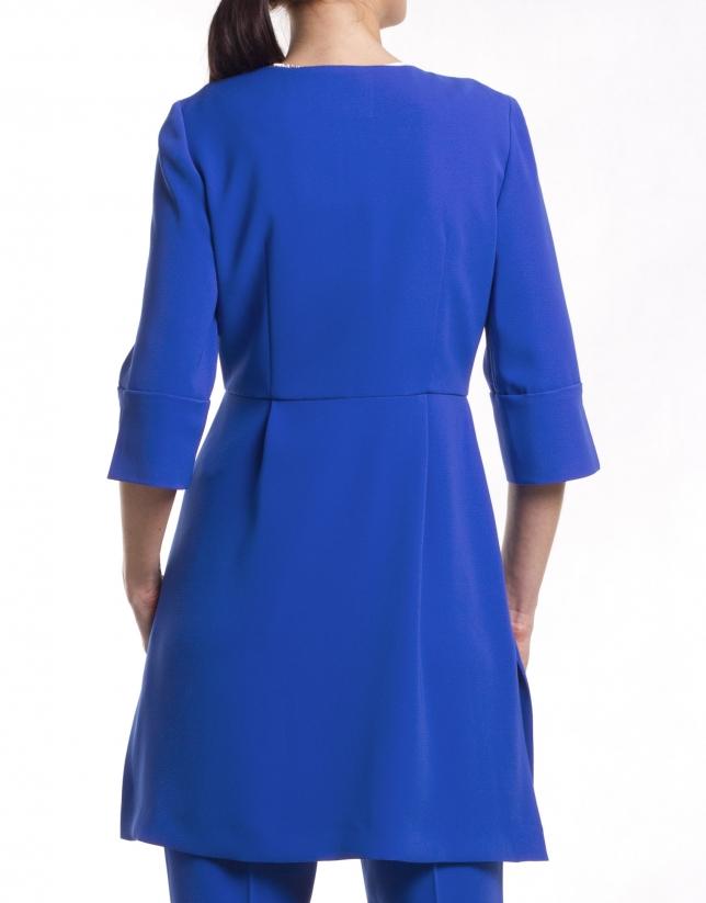 Round neck coat