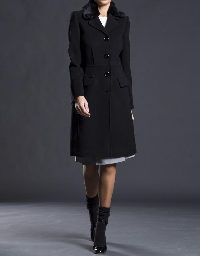 Abrigo negro cuelllo pelo
